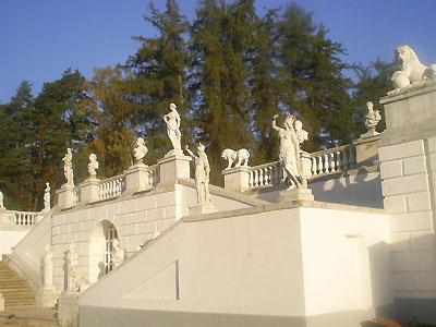 Скульптуры из мрамора и гипса
