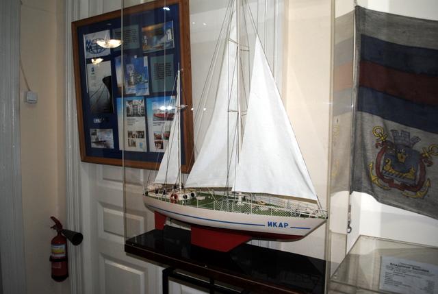 Модель легендарной яхты «Икар»