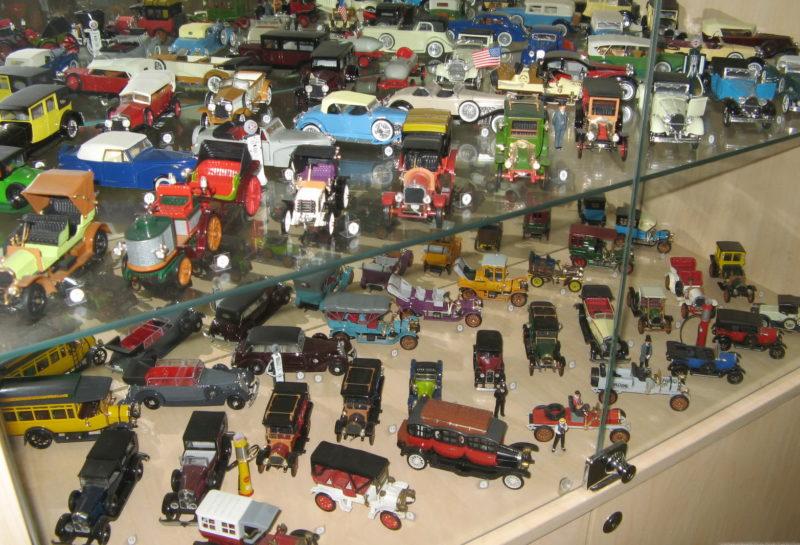 Киевский Музей истории автомобилей в моделях