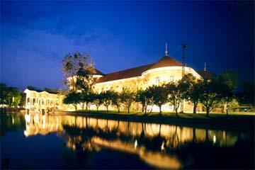 Дворец-музей Виманмек Мансион в Таиланде