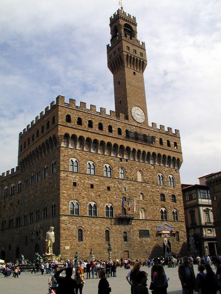 Палаццо Веккьо во Флоренции