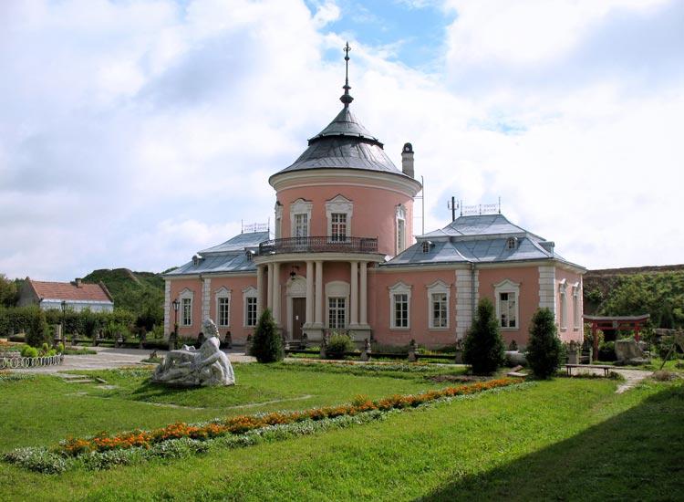 Розовый дворец