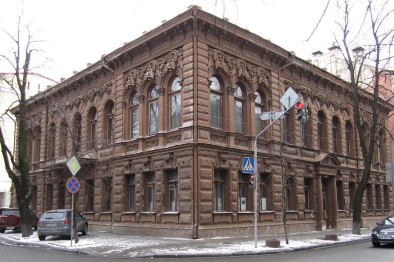 Шоколадный домик в Киеве