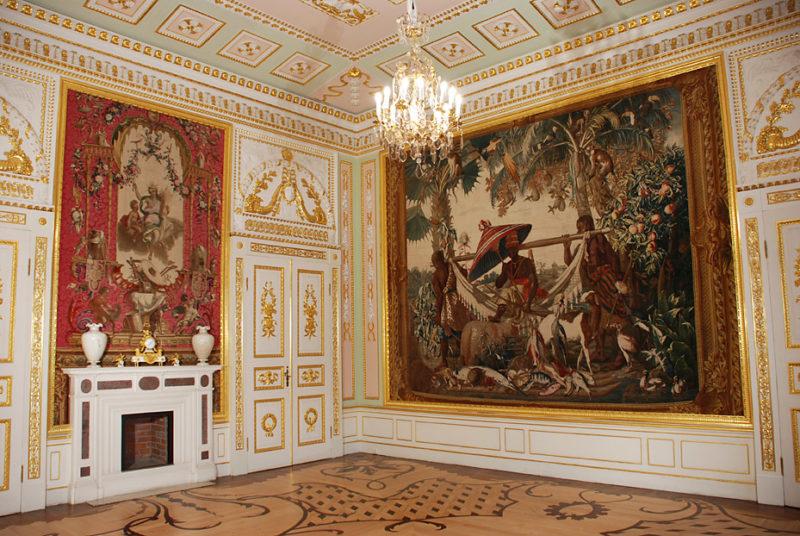 Зал дворца