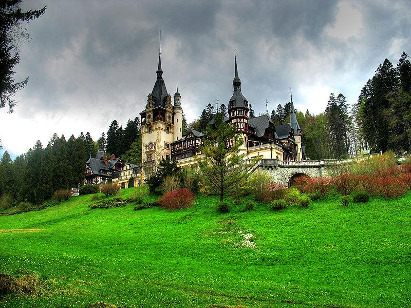 Замок-музей Пелеш