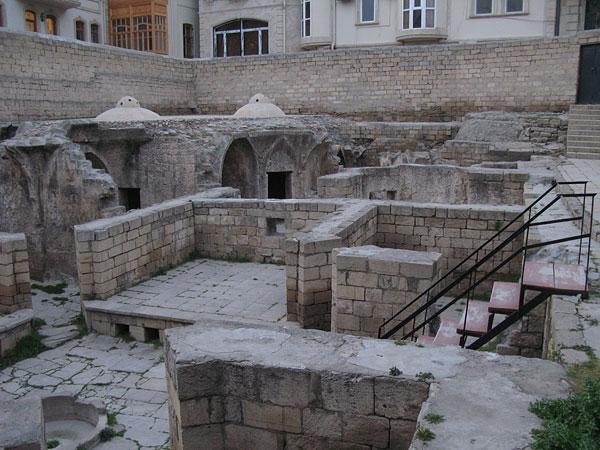 Дворцовая баня