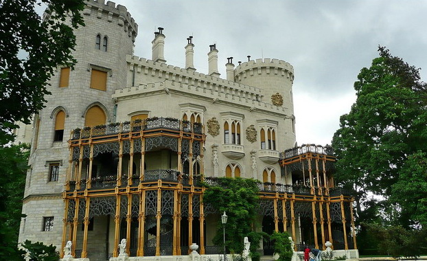 Территория замка