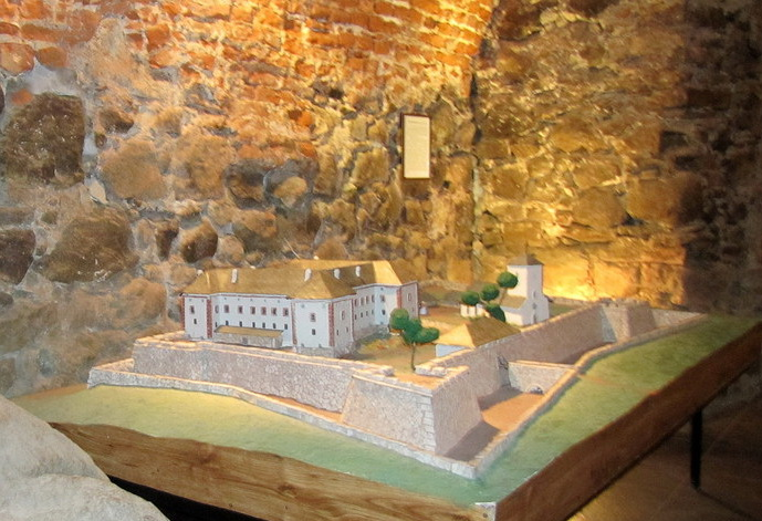 Северо-западная стена замка