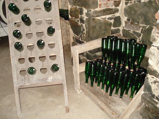 Экспозиции, которая повествует об истории виноделия