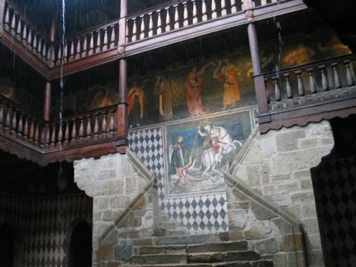 Фреска на стене музея