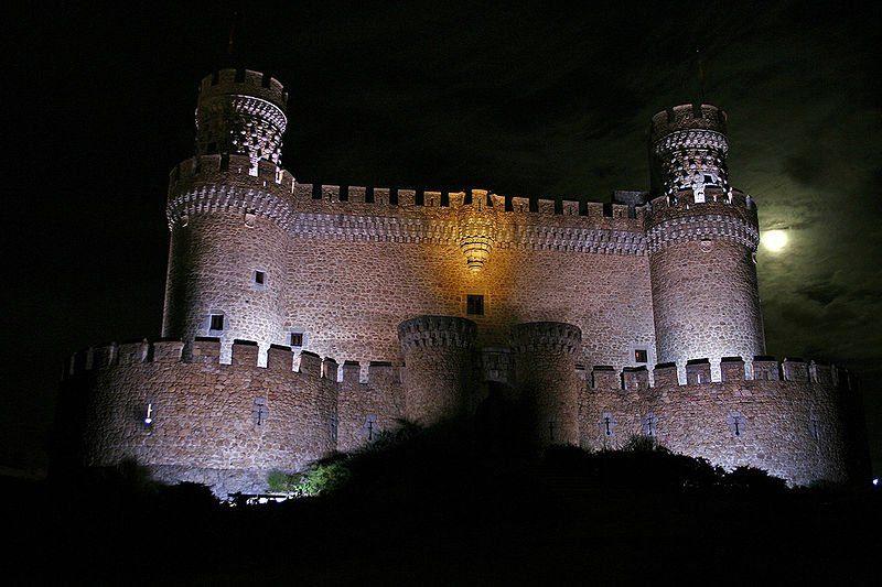 Замок-музей Мансанарес-эль-Реал