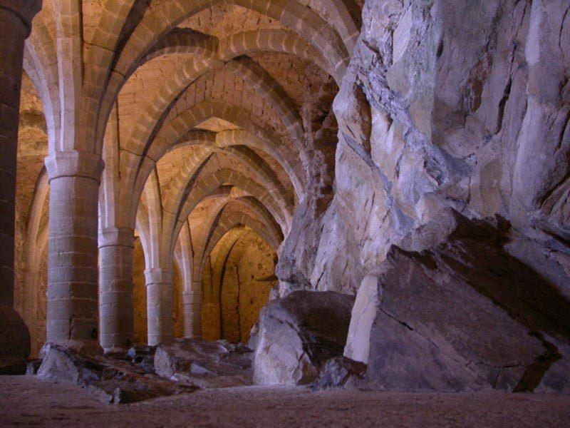 Подвалы Шильонского замка