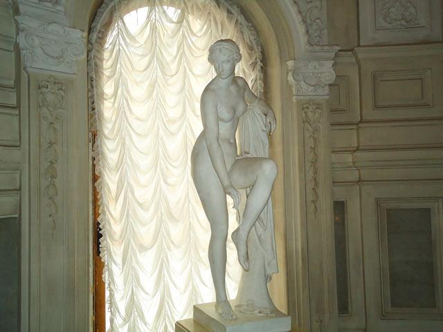 Скульптура в Государственном музее истории
