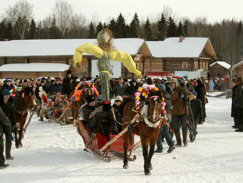Фольклорный праздник на территории музея