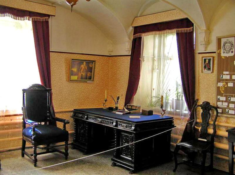 Восточный кабинет замка Шереметева